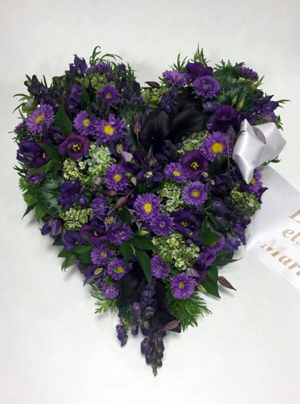 Begravelse hjerte med bånd